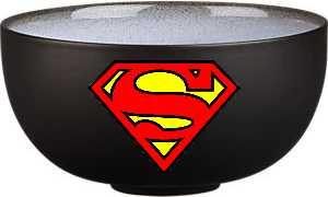 Look, on the table! It's a dish! It's a wok! No, it's Super Bowl!